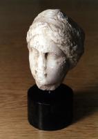 Frauenkopf aus Marmor, hellenistisch